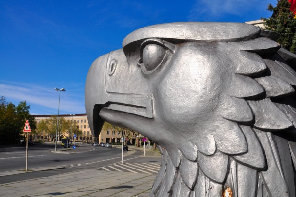 Aguila nazi del aeropuerto Tempelhof, Berlín.